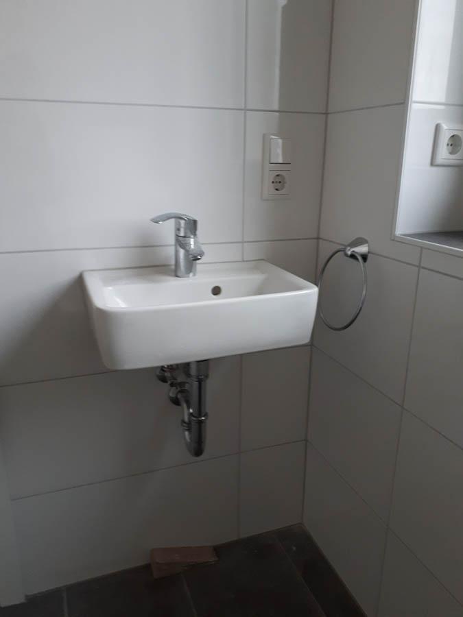 Bauunternehmen Bungalow Gaeste Wc Waschtisch Kreis Soest 08