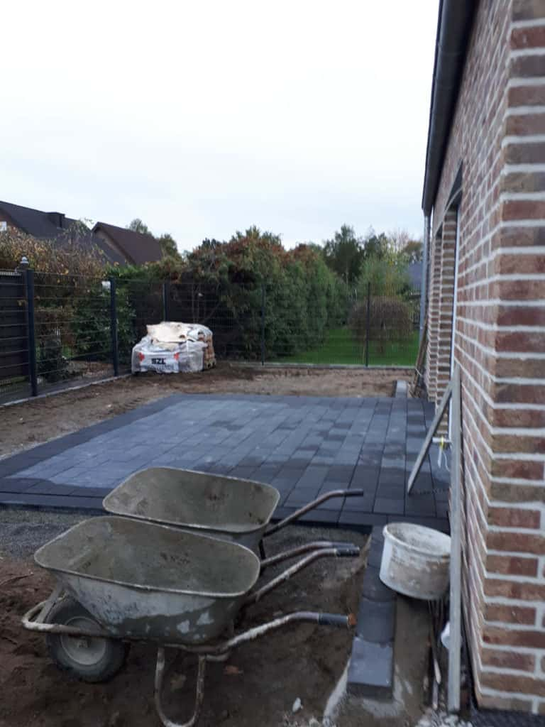 Gewerblich Bauen Betriebsgebaeude Bodenplattte Pflasterarbeiten 25