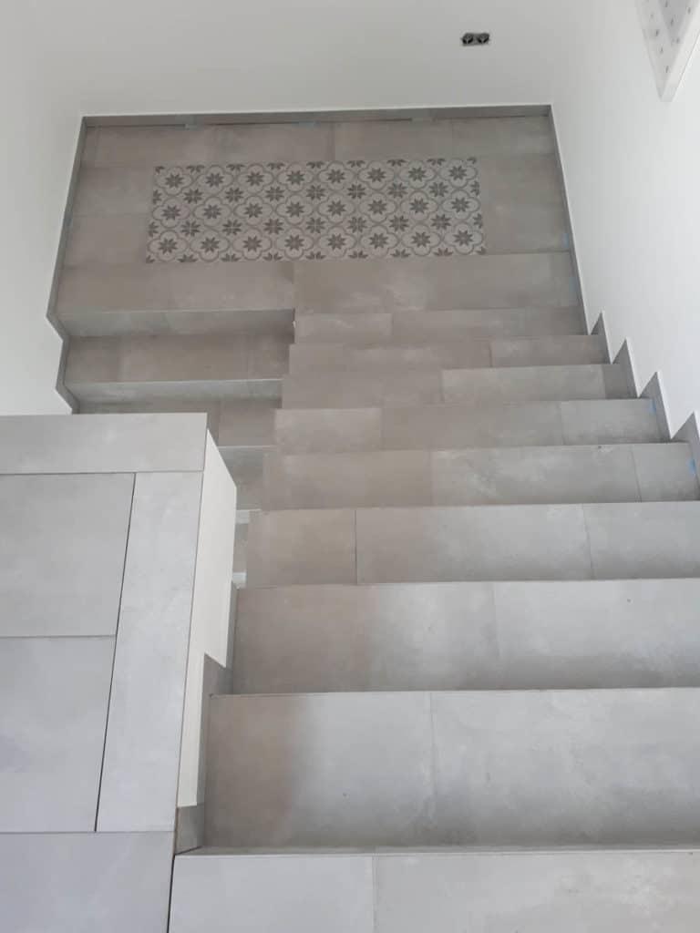 Gewerblich Bauen Betriebsgebaeude Fliesenarbeiten Treppenhaus 22