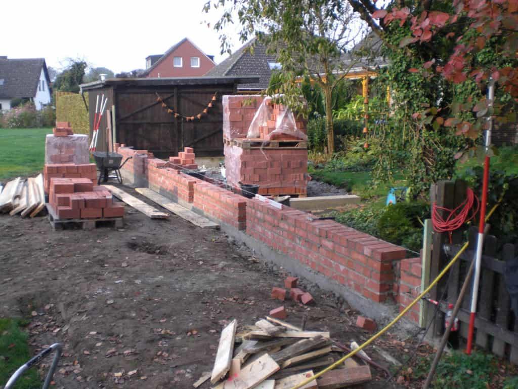 Maurerarbeiten Rustikale Gartenmauer 1