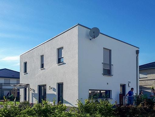 Hausbau Bauhausstil Flachdach Lippstadt Seite