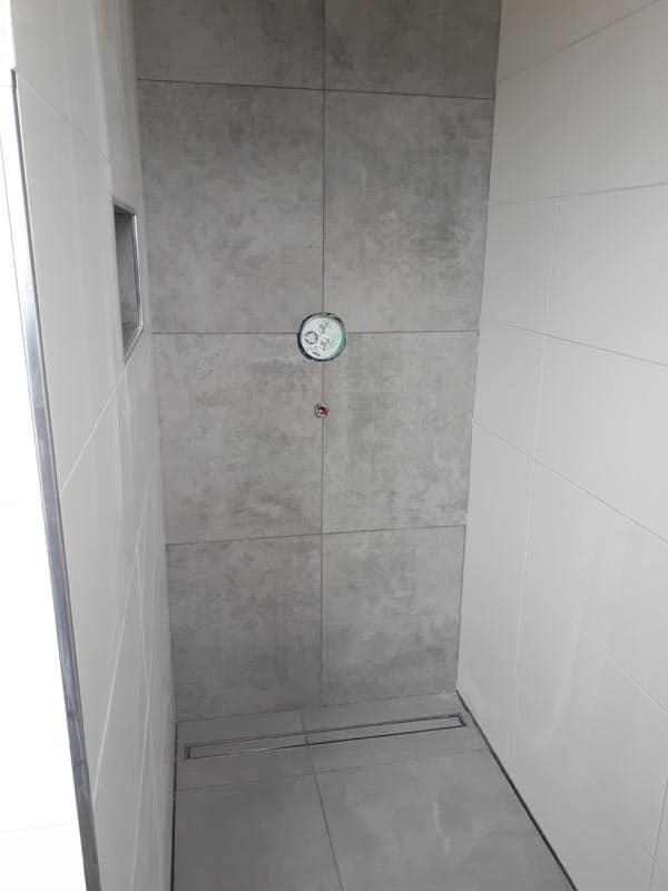 36.bodenerdige Dusche