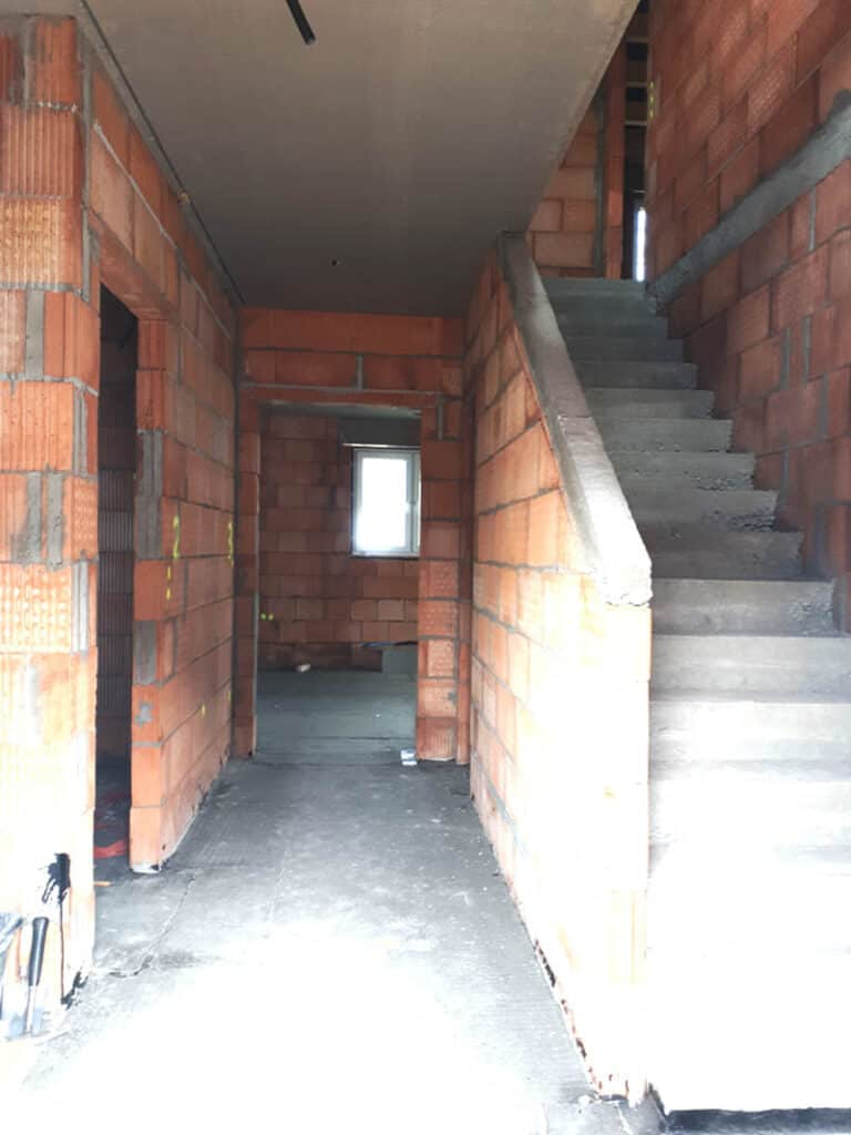8.flur Eingangsbereich