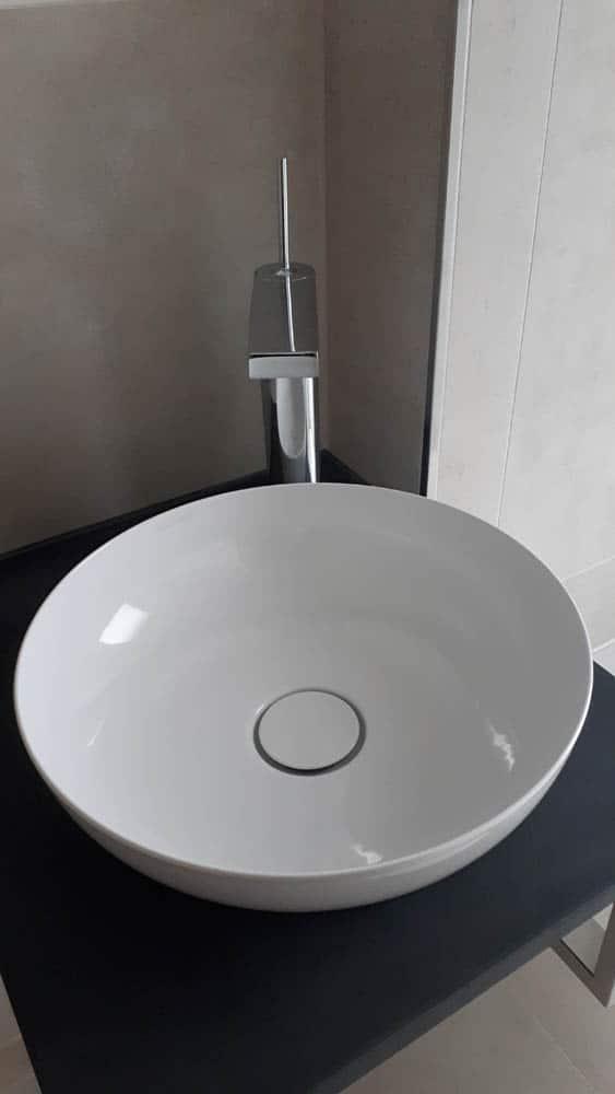 02 Waschbecken