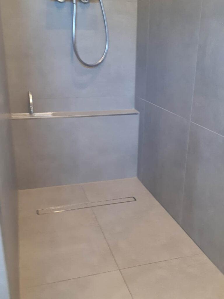 27 Dusche Mit Kleinem Vorsprung Beinrasur